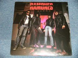 "画像1: RAMONES  -  HALFWAY TO SANITY(SEALED Cutout ) / 1987 US AMERICA ORIGINAL ""BRAND NEW SEALED""  LP"