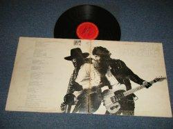 """画像1: BRUCE SPRINGSTEEN - BORN TO RUN ( Matrix #  A) PAL 33795-1J  B) PBL 33795-1AB)  (Ex/Ex+++ EDSP) / 1980's US AMERICA REISSUE """"with BARCODE""""  Used LP"""