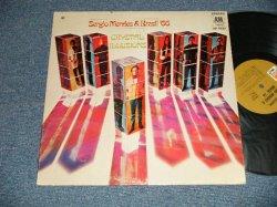 """画像1: SERGIO MENDES & BRASIL '66 - CRYSTAL ILLUSIONS (Matrix #A)A&M SP4293-8 B)A&M SP4294-7 ) ( Ex/Ex+++ BB)/1969 US AMERICA Original Stereo """"BROWN LABEL""""  Used LP"""