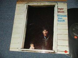 画像1: TOWNS VAN ZANDT - FLYIN' SHOES (MINT/MINT / 1978 Version US AMERICA ORIGINAL Used LP