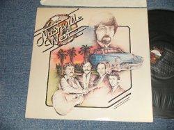 画像1: NASHVILLE WEST(with CLARENCE WHITE) - NASHVILLE WEST (Ex+++/MINT-) / 1978 US AMERICA ORIGINAL Used LP