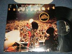 画像1: SLY & THE FAMILY STONE - THERE'S A RIOT GOIN'ON (MINT-/MINT-) /1980~1990's US AMERICA REISSUE Used LP
