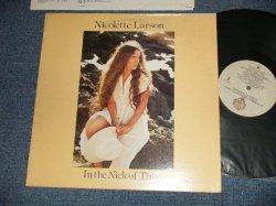 """画像1: NICOLETTE LARSON - IN THE NICK OF TIME (Ex+/Ex+++) / 1979 US AMERICA ORIGINAL 1st Press """"LIGHT BROWN Label"""" Used LP"""